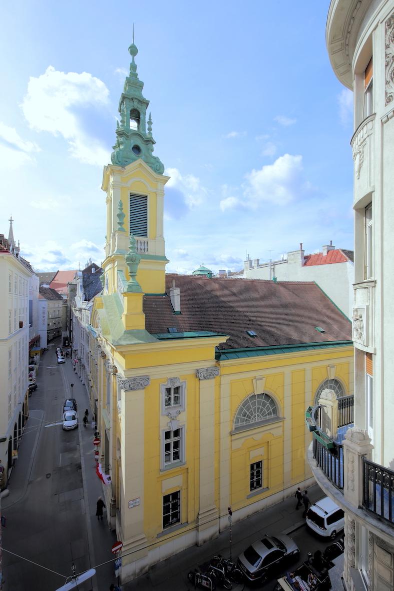 http://viennacommunitychurch.com/wp-content/uploads/2014/11/Reformierte_Stadtkirche3.jpg