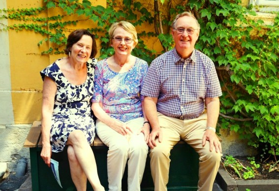 John and Helen Drew from Adelaide, Australia, returning to Vienna and the VCC for three months, here with Sita Weinrich.